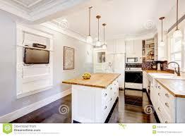 cuisine blanche plan de travail bois cuisine blanche avec plan de travail bois mh home design 2 mar
