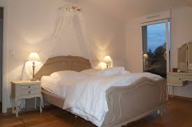 deco chambre charme chambre à coucher relookée avec charme par déco faire du