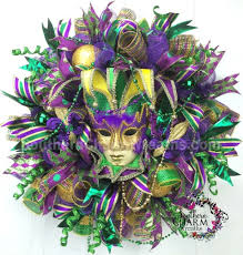 how to make a deco mesh mardi gras wreath southern charm wreaths