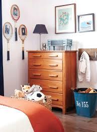 chambre d enfant but deco chambre de garcon génial but lit cabane enfant beige deco lila