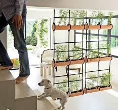 jardín vertical separando espacios pinterest wall partition