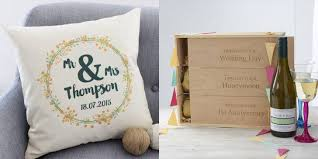 wedding gift ideas for guests newlywed gift ideas pagina