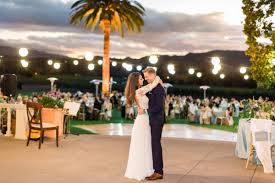 paper lanterns with lights for weddings charming ways to light up your outdoor wedding