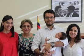 consolato colombiano consulado de bak禳 registra al primer colombiano nacido en la