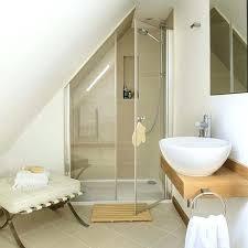 salle de bain dans chambre sous comble amenagement chambre parentale avec salle bain suite parentale avec