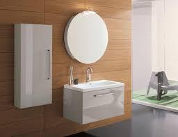 eckschrank fã r badezimmer schränke für badezimmer dunkle m bel im bad f r den landhausstil