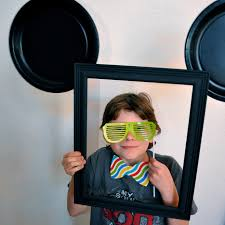 mickey mouse photo booth disneyside diy mickey mouse photo booth simple sojourns