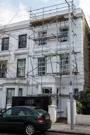 russian with golden bentley gets notting hill neighbours steaming