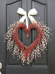 Holiday Wreath Ideas Pictures The Kissing Wreath Door Wreaths Valentine U0027s Day Wreath Heart