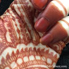fresh henna stain with dipped fingertips www blurberrybuzz com