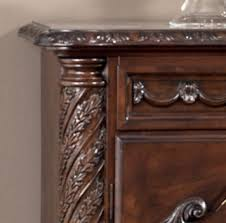 d553 60 north shore dining room server