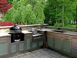 cuisine exterieure beton plan de travail extérieur pour une cuisine d été pratique