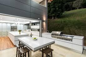 küche offen designer corian küche mit kochinsel modern offen und geräumig