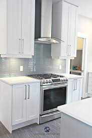 kitchen cabinets with white quartz countertops white kitchen cabinets 3 palettes to create a balanced and