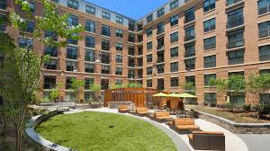 Apartment Courtyard 1111 Belle Pre Apartments Reviews In Old Town Alexandria 1111