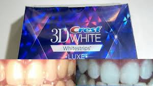 crest 3d white whitestrips with light teeth whitening kit guy with yellow teeth tests out whitening strips for 20 days crest