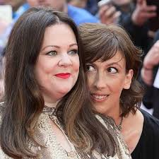 50 year old makeover miranda hart shows off glam hollywood makeover on red carpet closer