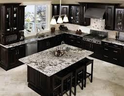comptoir de cuisine noir cuisines comptoir cuisine marbre 70 idées pour des comptoirs de