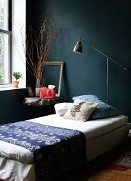 what are the best ways to make your bedroom look bigger without