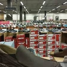designer shoe outlet dsw designer shoe warehouse 14 photos shoe stores 2026