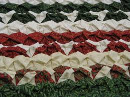christmas wreath quilt beautiful queen sized christmas quilt