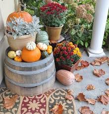Outdoor Decorations For Fall - best 25 fall decorations for outside ideas on pinterest outside