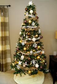 large tree ornaments centerpiece ideas