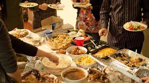 let someone else cook on thanksgiving dozens of restaurants open