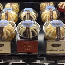 nothing bundt cakes 23 photos u0026 18 reviews bakeries 190