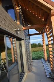 auvent en bois pour terrasse pergolas auvents et terrasse l u0027arbre à l u0027étrier
