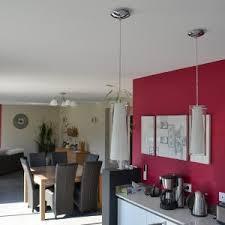 mur cuisine framboise peinture plafond cuisine stunning cuisine papier peint mise en