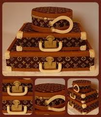 luggage cake for a wedding decorated cakes pinterest vintage