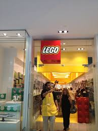 the lego store at 5 woodfield mall woodfield mall schaumburg il