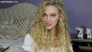 curly hair extensions how to blend clip in hair extensions with curly hair luxy hair
