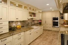 Kitchen Backsplash Ideas For Granite Countertops Off White Cabinets With Granite Countertops Off White With