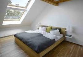 how to decorate small bedroom became more comfortable