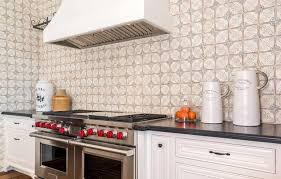 easy and affordable backsplash ideas for the kitchen