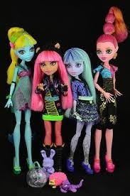 after high dolls names high displays zoom into pic to see the dolls names