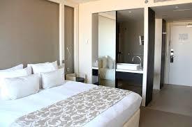 chambre avec salle de bain salle de bain ouverte sur chambre construire chaios com