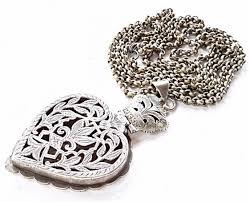 shaped pendant necklace images Yemen silver heart shaped pendant necklace jpg