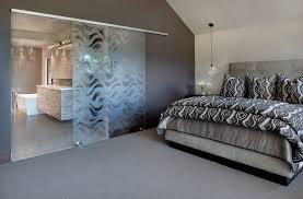 two bedroom water view cabin queen beds room features loversiq