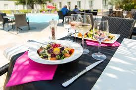 hote pour cuisine profitez d un espace méditerranéen pour vos déjeuners et dîner