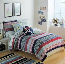 Bedroom Furniture For College Students by Bedroom Decorating Colorful Teenage Bedroom Ideas Just For Girls