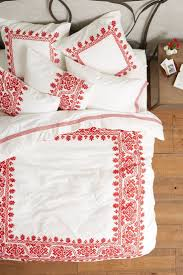Bright Duvet Cover 20 Modern Duvet Covers To Make Over Your Bedroom Brit Co