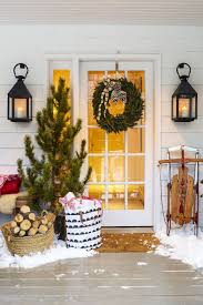 Christmas Decoration For A Living Room by 30 Christmas Door Decorating Ideas Best Decorations For Your