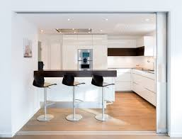 küche nach maß moderne küche bilder wohnküche nach maß mit kochinsel