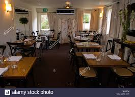 dining room layout in the walnut tree restaurant llanddewi skirrid