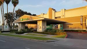 Comfort Inn And Suites Anaheim Hotel Review Holiday Inn U0026 Suites Anaheim 1 Blk Disneyland