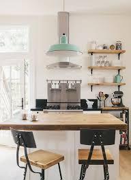 petit ilot cuisine la cuisine équipée avec îlot central 66 idées en photos archzine fr