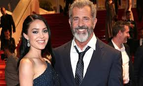 Historical Photos Circulating Depict Women Mel Gibson Expecting 9th Child As He Announces His Girlfriend Is